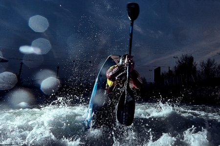 Freestyle kayaking in the night